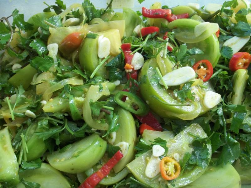 Острый рецепт зеленых помидор