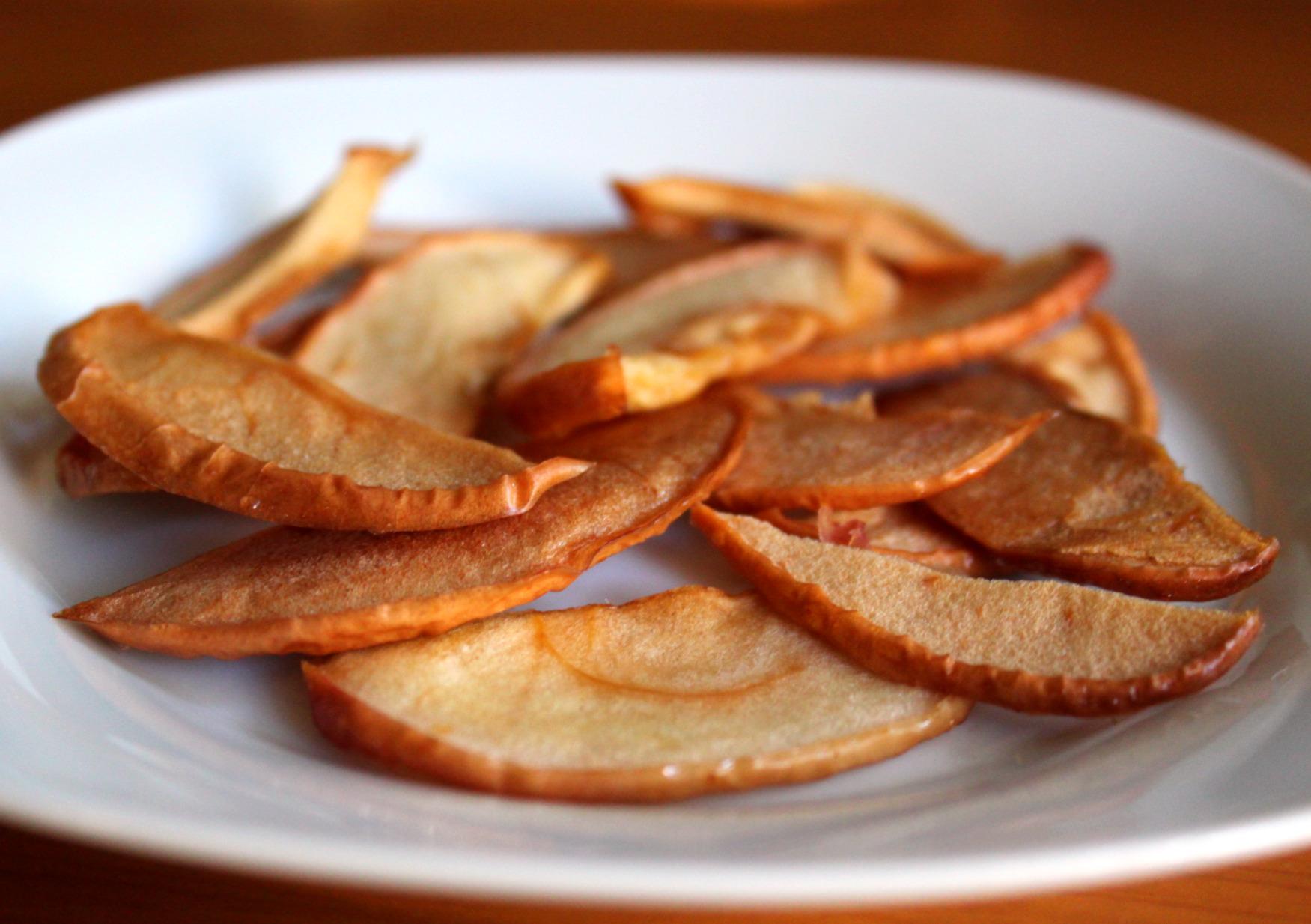 Сушеные яблоки в духовке